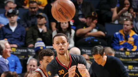 Cold-to-hot Curry leads Warriors over Bucks
