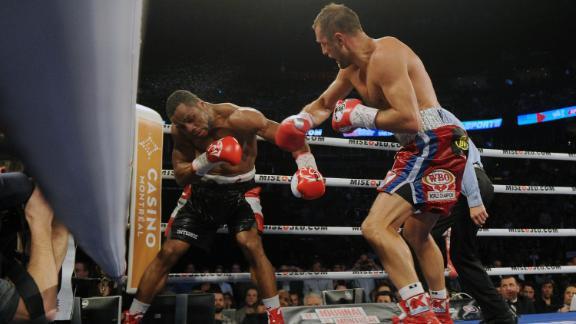 http://a.espncdn.com/media/motion/2015/0315/dm_150315_boxing_kovalev_pascal/dm_150315_boxing_kovalev_pascal.jpg