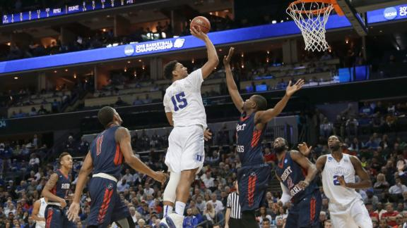 Duke Rolls Past Robert Morris