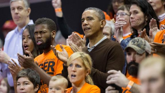 http://a.espncdn.com/media/motion/2015/0321/dm_150321_ncw_obama_attends_princeton_game/dm_150321_ncw_obama_attends_princeton_game.jpg