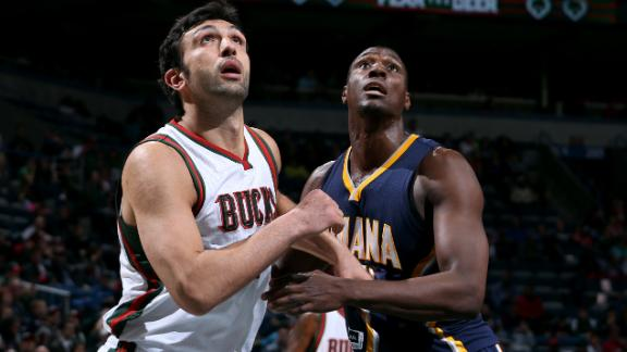 Ilyasova scores 34 as Bucks hold off Pacers