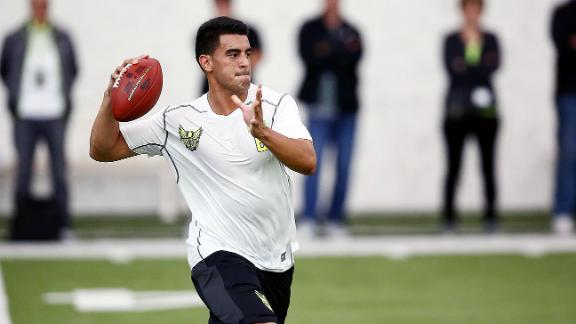 Teams Looking To Trade Up For Mariota?
