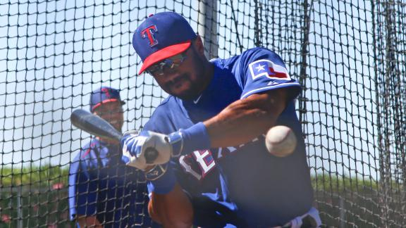 http://a.espncdn.com/media/motion/2015/0328/dm_150328_nfl_russell_wilson_with_rangers/dm_150328_nfl_russell_wilson_with_rangers.jpg