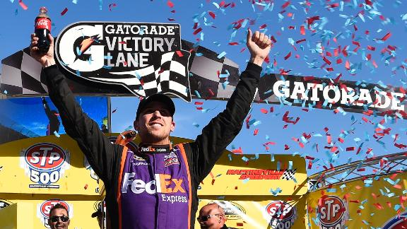 Hamlin Wins NSCS At Martinsville