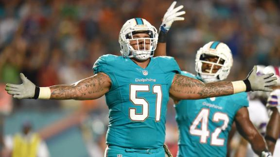 Pouncey, Dolphins agree to extension