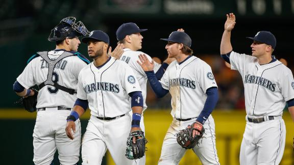 Mariners edge Astros