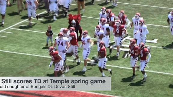 Video - Leah Still scores TD at Temple spring game