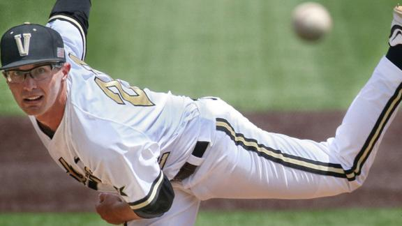 Commodores rally to sweep Tigers