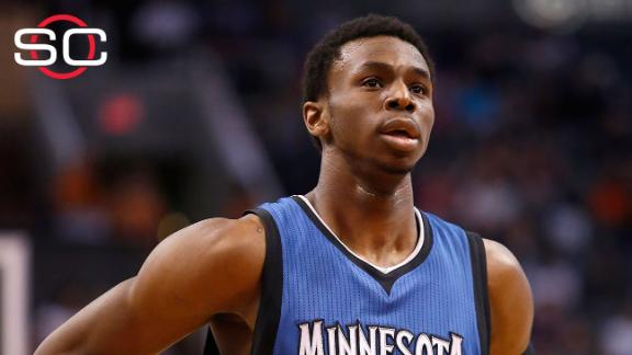 Wiggins honored with rookie of the year award