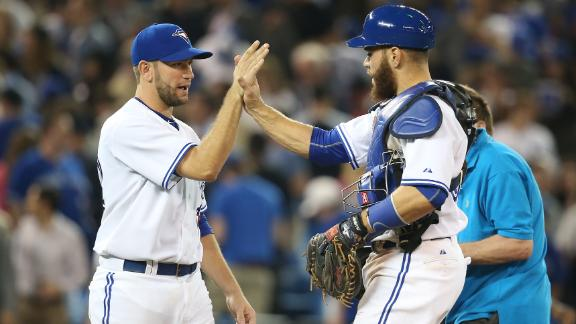 Martin's pinch-hit single gives Blue Jays win over Yankees