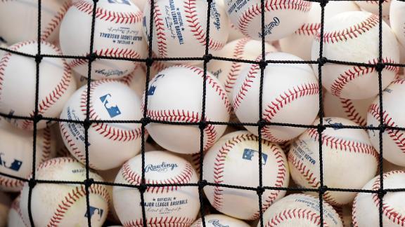 http://a.espncdn.com/media/motion/2015/0512/dm_150512_mlb_bustersblog_ballsecurity/dm_150512_mlb_bustersblog_ballsecurity.jpg