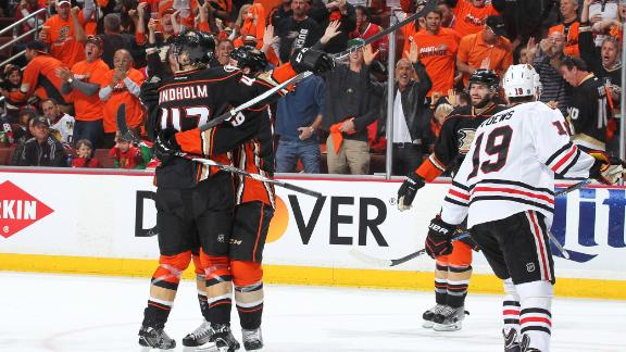 http://a.espncdn.com/media/motion/2015/0517/dm_150517_hawks_ducks_game_1/dm_150517_hawks_ducks_game_1.jpg