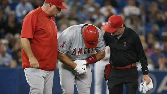 Pujols hurt in Angels' win