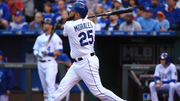 Morales' two home runs fuel Royals