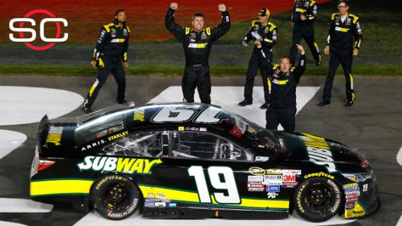 Carl Edwards picks up 1st win at Charlotte Motor Speedway