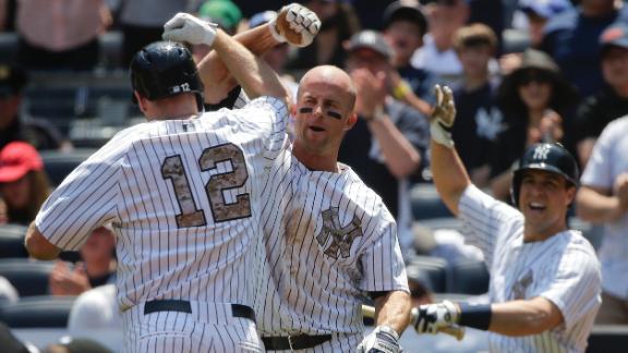 Yankees bats break out in win