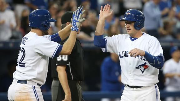 Blue Jays rally for walk-off win