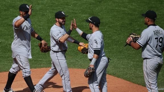 White Sox bounce back, top Blue Jays in extras
