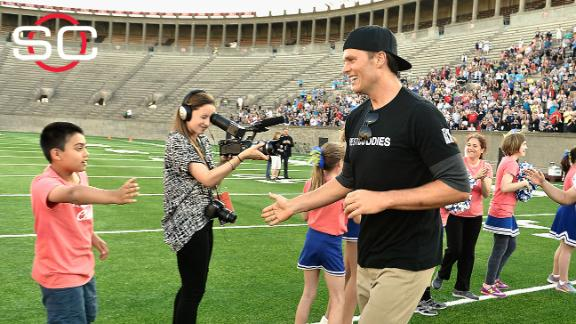 Video - Pats tuning out 'Deflategate' at Best Buddies Challenge