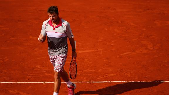 Stan Wawrinka ousts Roger Federer, reaches French semifinals