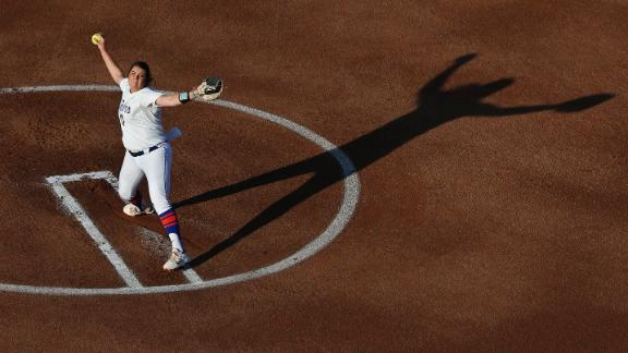 Haeger leads Gators to title