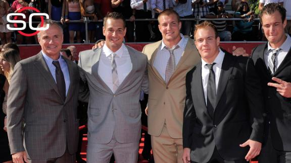 http://a.espncdn.com/media/motion/2015/0603/dm_150603_nfl_Rob_Gronkowski_to_play_Family_Feud/dm_150603_nfl_Rob_Gronkowski_to_play_Family_Feud.jpg