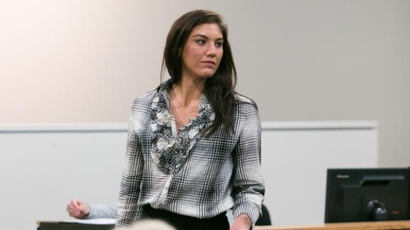 http://a.espncdn.com/media/motion/2015/0604/dm_150604_otl_hopesolo_feature/dm_150604_otl_hopesolo_feature.jpg