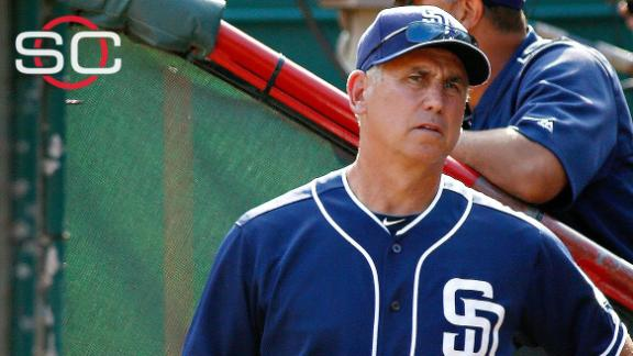 Padres fire Bud Black amid NL West race