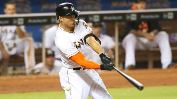 Stanton suffers hand injury against Marlins