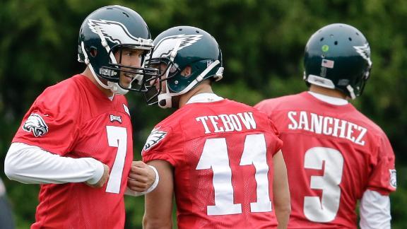 Weatherford criticizes Eagles quarterbacks