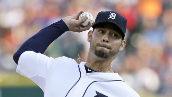 Sanchez loses no-hit bid in 8th; Tigers hang on