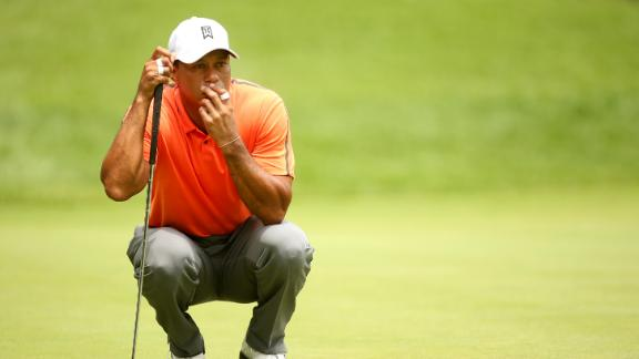 Woods struggles in third round