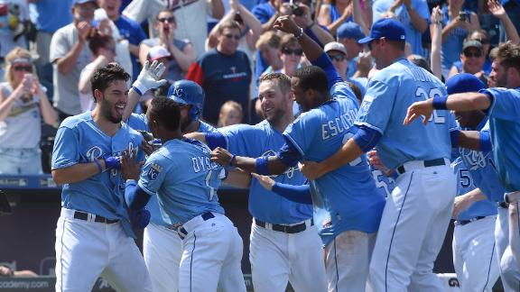 Royals walk off and salvage split