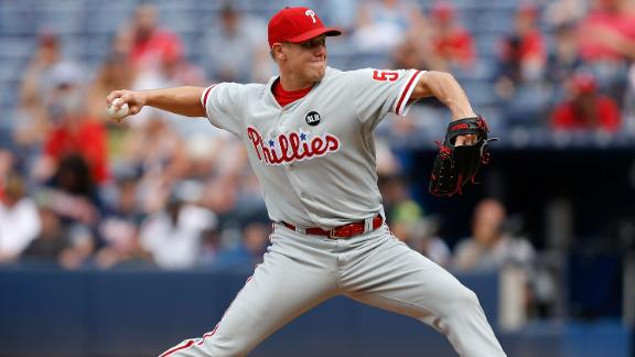 Papelbon demands a trade