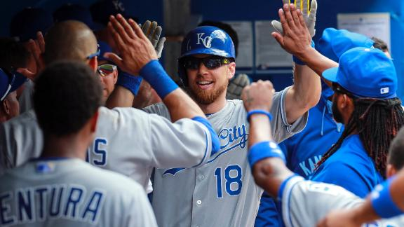 Zobrist, Royals defeat Blue Jays