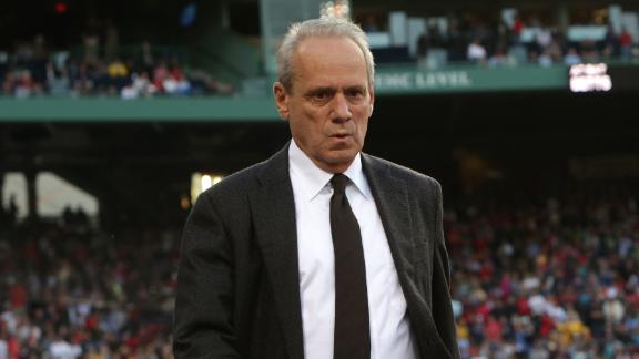 Larry Lucchino stepping down as Red Sox president, CEO