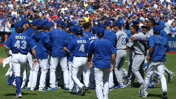 Blue Jays win after Gibbons gets ejected