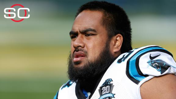 Star Lotulelei carted off with injured foot