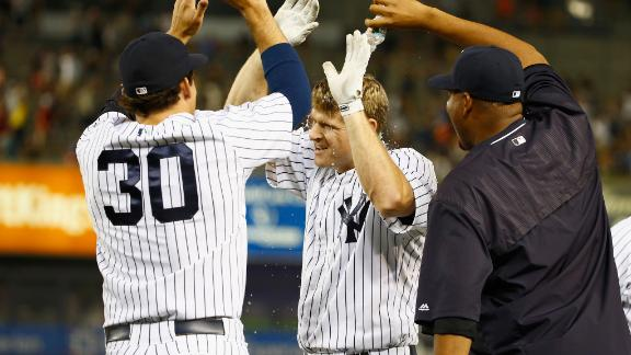 Mitchell hit in the face, Yankees walk off