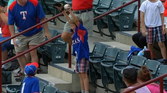 Kid's priceless reaction to snagging foul ball