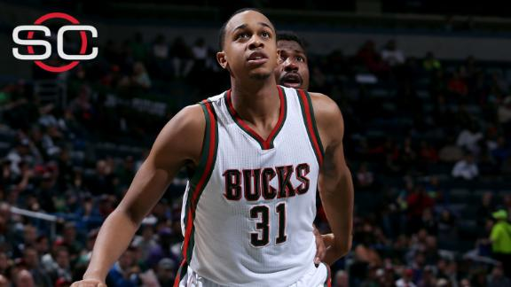 John Henson, Bucks agree to extension