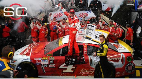 Harvick dominates Dover, advances to next round