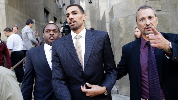 http://a.espncdn.com/media/motion/2015/1009/dm_151009_nba_news_thabo_sefolosha_not_guilty/dm_151009_nba_news_thabo_sefolosha_not_guilty.jpg