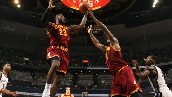 Cavaliers get first win in blowout of Grizzlies