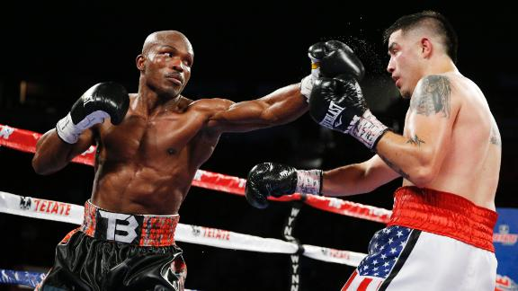 Bradley knocks out Rios, retains WBO belt