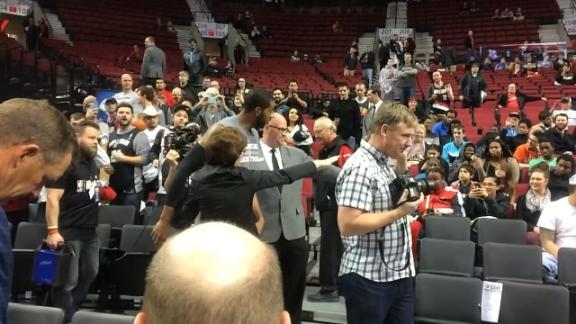 Aldridge gets warm welcome in Portland for warmups