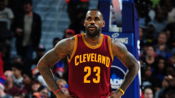 LeBron moves up scoring list in loss to Pistons