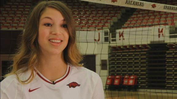 Arkansas volleyball adds culture to Thanksgiving