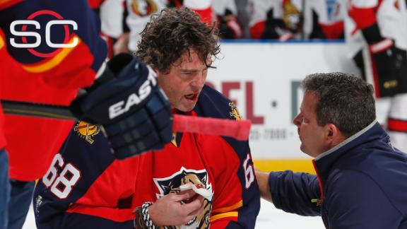 Jagr takes high stick to face in Panthers win