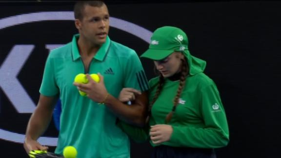http://a.espncdn.com/media/motion/2016/0120/dm_160120_Tsonga_halts_match_to_help_injured_ball_girl/dm_160120_Tsonga_halts_match_to_help_injured_ball_girl.jpg